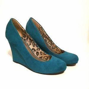 Cato- Teal Wedges